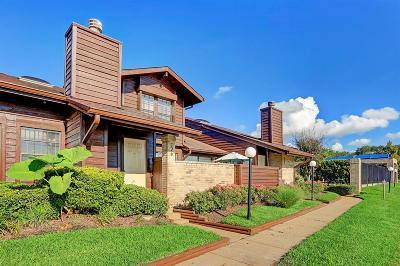 Sugar Land Condo/Townhouse For Sale: 2611 Grants Lake Boulevard #126