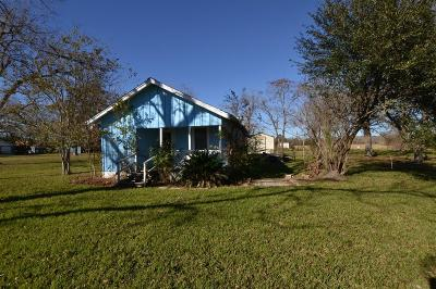 Crosby TX Single Family Home For Sale: $110,000