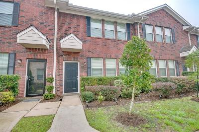 Kemah Condo/Townhouse For Sale: 1807 Kemah Village Drive