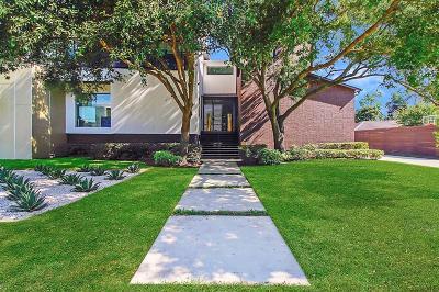 Houston Single Family Home For Sale: 5146 Braesheather Drive