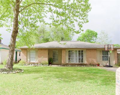Friendswood Single Family Home For Sale: 16818 Tibet Rd Road