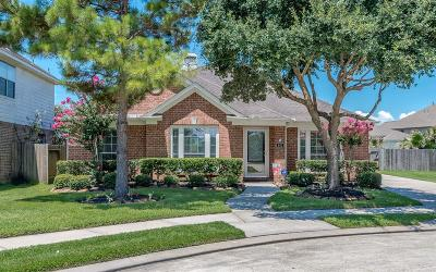 League City Single Family Home For Sale: 403 Laddingford Lane
