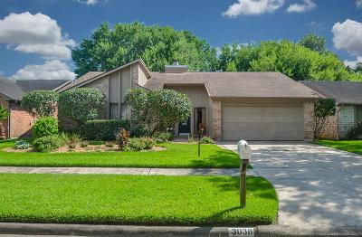 Sugar Land Single Family Home For Sale: 3038 Wagon Trail Drive