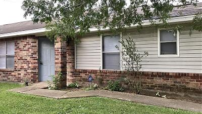 Houston TX Single Family Home For Sale: $122,000