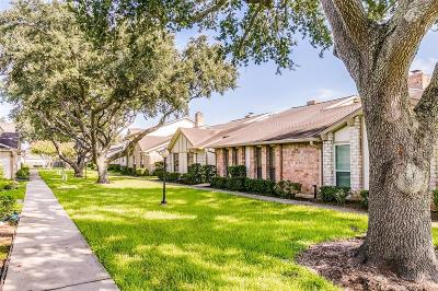 Fort Bend County Condo/Townhouse For Sale: 46 Brighton Court #1 23