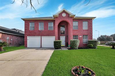 Houston Single Family Home For Sale: 9243 Eaglewood Spring Drive