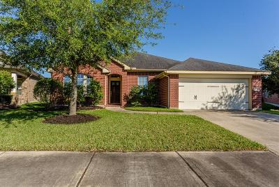 Fresno TX Single Family Home For Sale: $248,000