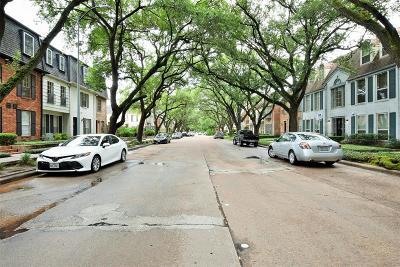 Houston Condo/Townhouse For Sale: 357 N Post Oak Lane #108