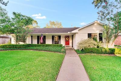 Houston Single Family Home For Sale: 2319 Briarhurst Drive