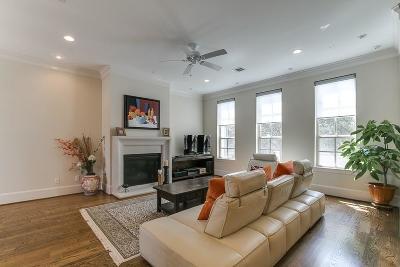 Houston Condo/Townhouse For Sale: 2114 Briarglen Drive