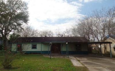 Pasadena Single Family Home For Sale: 1112 Johnson Street