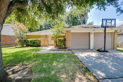 League City Single Family Home For Sale: 2821 Pine Mills Drive