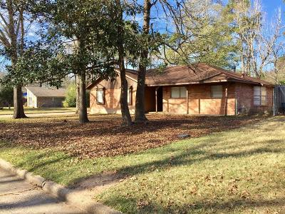 New Caney Single Family Home For Sale: 2003 Woodway Drive