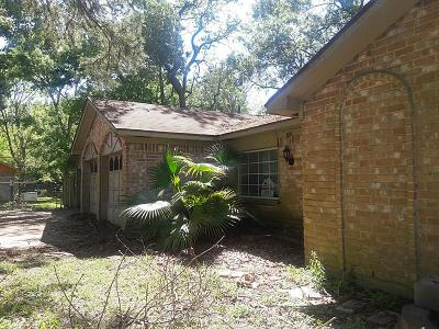 Huffman Single Family Home For Sale: 702 Corydon Drive