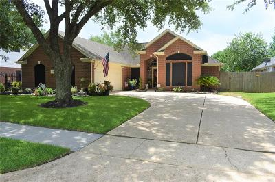 Pearland Single Family Home For Sale: 6304 W Oaks Circle S