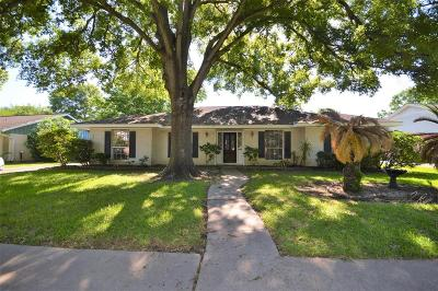 Single Family Home For Sale: 15319 Baybrook Drive
