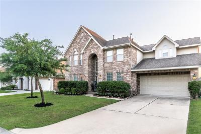 Spring Single Family Home For Sale: 21515 Avalon Queen Drive