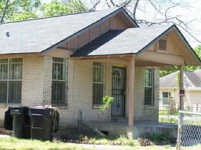 Houston Single Family Home For Sale: 302 Basswood Street