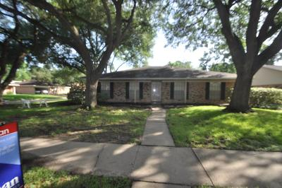 Houston Single Family Home For Sale: 5826 Autumn Forest Drive