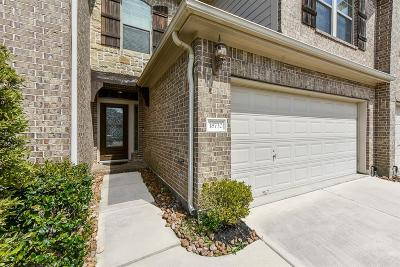 Spring Condo/Townhouse For Sale: 18732 Cypress Loch Drive