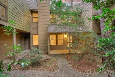 The Woodlands Condo/Townhouse For Sale: 66 Cokeberry Court