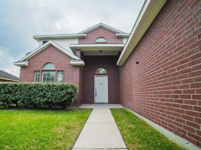 Dayton Single Family Home For Sale: 1916 Cedar Lane