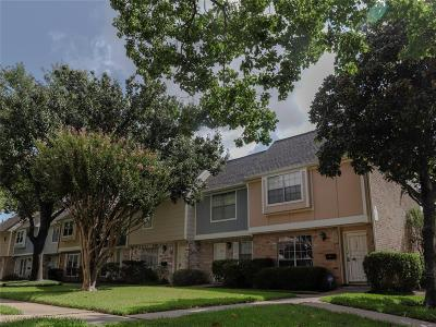 Houston TX Condo/Townhouse For Sale: $130,000