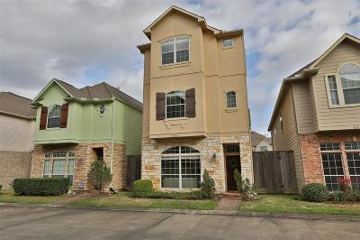 Single Family Home For Sale: 9013 Bayview Cove Drive