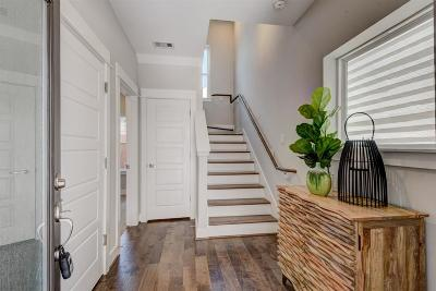 Houston Single Family Home For Sale: 2049 Sherwood Forest Street