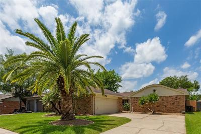 Friendswood Single Family Home For Sale: 2514 Forge Stone Drive