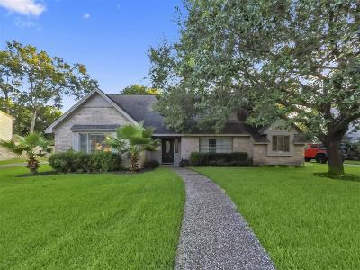 Seabrook Single Family Home For Sale: 1015 Woodbank Drive