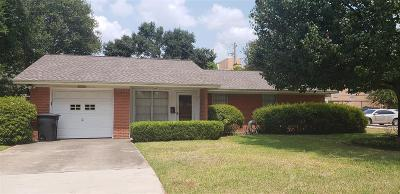 Houston Single Family Home For Sale: 8330 Waterbury Drive