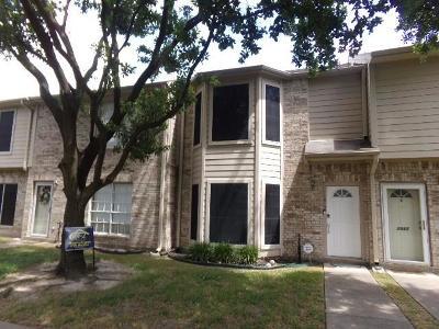 Galveston County, Harris County Condo/Townhouse For Sale: 1015 Birnham Woods Boulevard