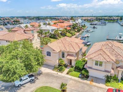 Kemah Single Family Home For Sale: 413 Harborside Way