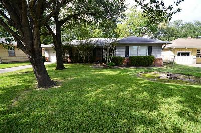 Bellaire Single Family Home For Sale: 5202 Mimosa Drive