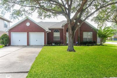 League City Single Family Home For Sale: 1428 Old Hickory Lane
