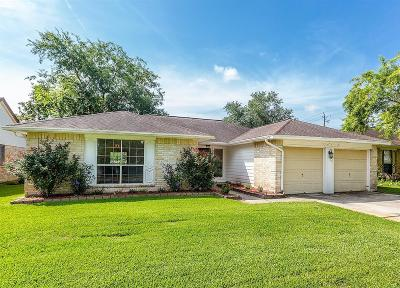 Friendswood Single Family Home For Sale: 2539 Harvest Cove