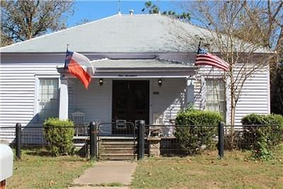 Columbus TX Single Family Home For Sale: $169,000