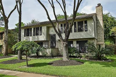 Single Family Home For Sale: 15806 Maple Manor Drive