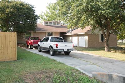 Single Family Home For Sale: 607 Moonwalk Street