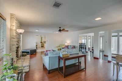 Seabrook Single Family Home For Sale: 4210 Meadowbank Drive