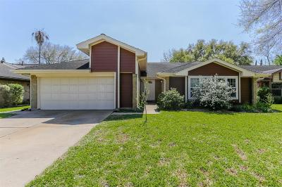 Sugar Land Single Family Home For Sale: 3026 The Highlands Drive