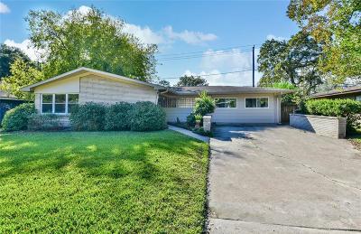 Oak Forest Single Family Home For Sale: 5001 Libbey Lane