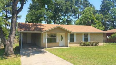 Willis Single Family Home For Sale: 212 Laurie Lane