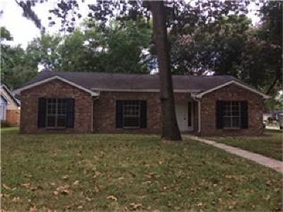 Spring Single Family Home For Sale: 25535 Thistlewaite Lane