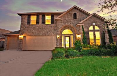 La Porte Single Family Home For Sale: 611 Fairway Drive