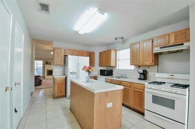 Spring Single Family Home For Sale: 22903 Sherioaks Lane