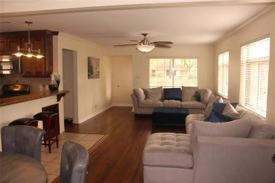 Oak Forest Single Family Home For Sale: 5038 W 43rd Street