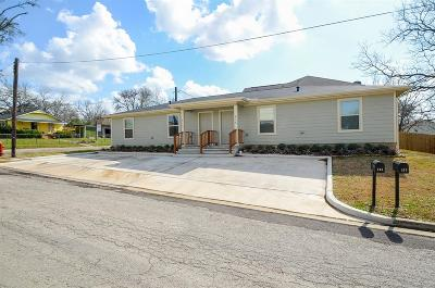 Bellville Single Family Home For Sale: 515 & 513 E Hellmuth Street