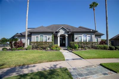 League City Single Family Home For Sale: 4925 Lost Creek Lane
